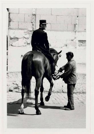 le cadre noir de saumur cavalier et palefrenier by helmut newton