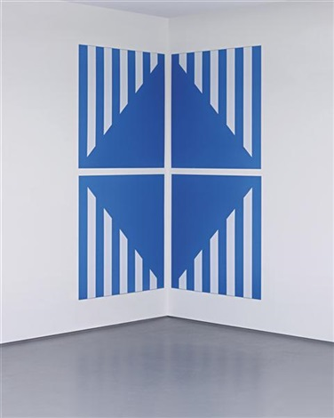 pvc bleu pour un angle in 4 parts by daniel buren