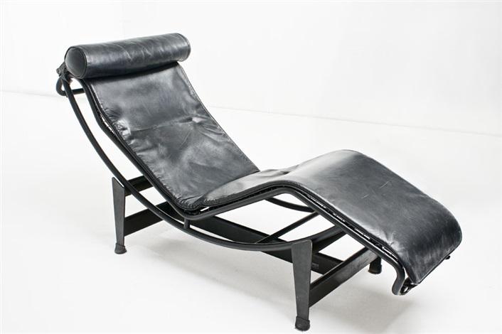 Chaise longue modello lc4 by le corbusier on artnet for Chaise longue 200 cm