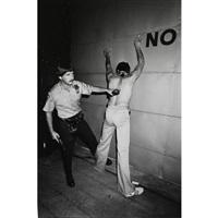arrestation suite à une manifestation de porto-ricains, manhattan, new york by michel ginies