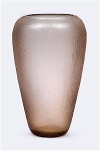 battuto pesante vase by carlo scarpa
