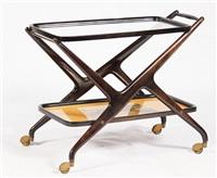 carrello con piano inferiore in legno serigrafato e piano superiore in vetro by ico parisi