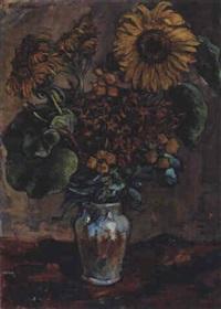 blumenvase mit sonnenblumen by p. fleischmann