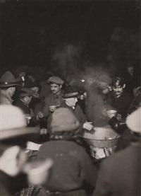 la soupe populaire distribuée par l'armée du salut, paris by marcel arthaud