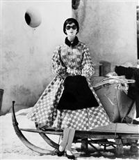 modell in kleid von bessie becker by relang (regina lang)