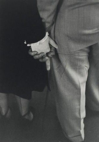 freudian hand clasp nyc by louis faurer