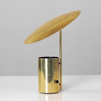 Half-Nelson lamp by George Nelson on artnet