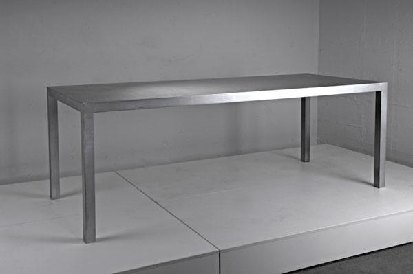 prototyp aluminium-eßtisch 88 by maarten van severen on artnet, Esstisch ideennn