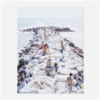 madima wave verticale (from the landscapes with figures portfolio) by massimo vitali