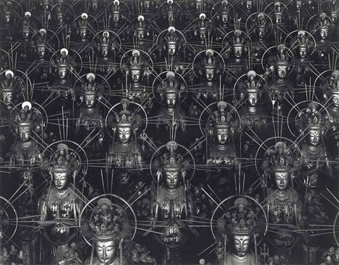 hall of thirty three bays by hiroshi sugimoto