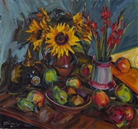 blumenstillleben mit sonnenblumen, gladiolen und pickelhelm by peter august böckstiegel