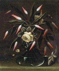 tulpen und rosen in einer gläsernen vase - tulipani e rose gialle in un vaso di vetro by francesco (cecco bravo) montelatici