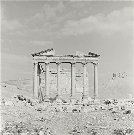 temple palmyra syria by lynn davis