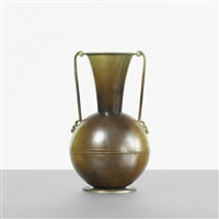 vase by ystad