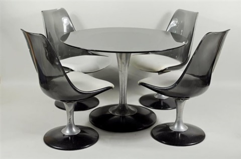 Tulip Table And Lucite Chairs By Chromcraft (set Of 5) By Eero Saarinen