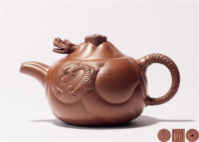 鱼化龙壶 a zisha teapot by liu jianping