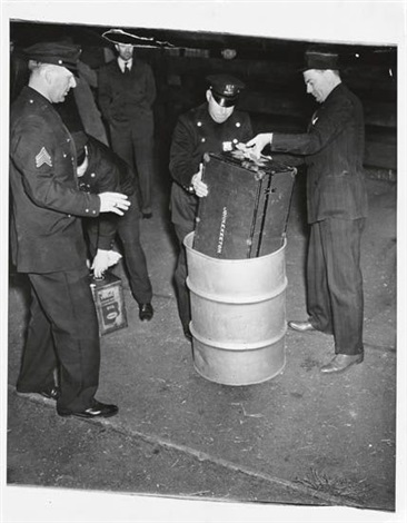 cops thought there was a bomb inside because of ticking of clock by weegee