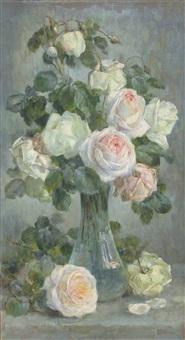 glasvase mit rosenbouquet by gioachimo galbusera