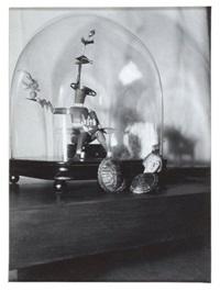 objet sous globe de verre by claude cahun