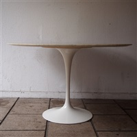 table haute, modèle tulipe by eero saarinen