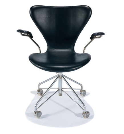 early desk chair model 3217 by arne jacobsen