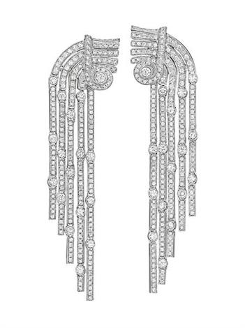 ear pendants pair by cartier