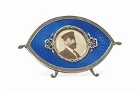 photograph frame by fabergé (co.)
