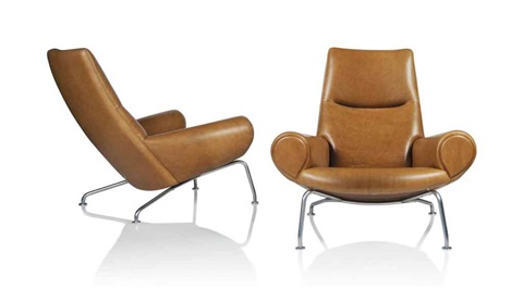 A PAIR OF EARLY QUEEN OX CHAIRS, MODEL AP47 by Hans J