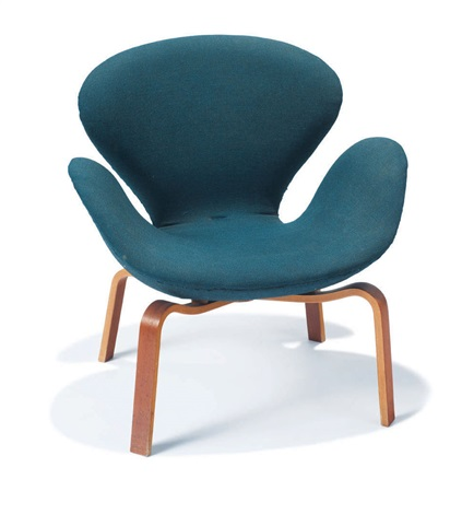swan chair model 4325 by arne jacobsen