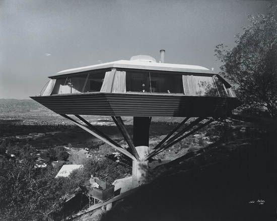 john lautner, malin residence (chemosphere house), los angeles, california by julius shulman