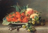 aardbeien en kruisbessen op een bord by adriana johanna haanen