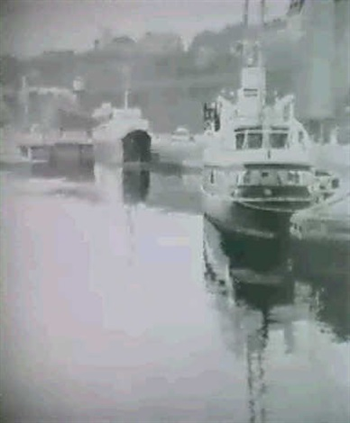 fartyg vid stadsgarden stockholmsmotiv by lennart roupe