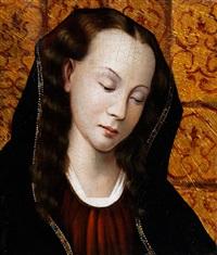 kopfbildnis einer jungen frau mit gewellten haaren und dunklem tuch vor textilem hintergrund by anonymous (15)