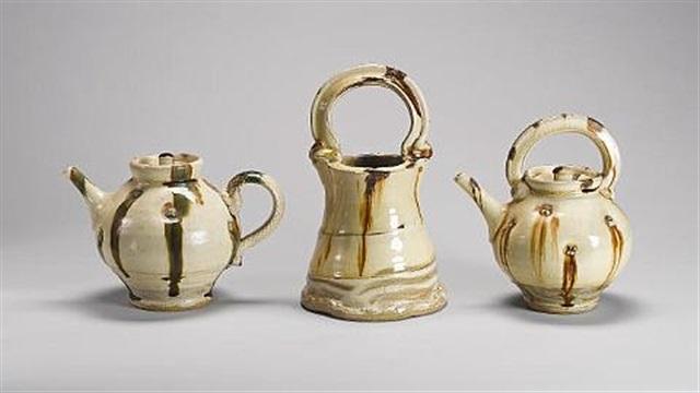 a teapot by takeshi yasuda