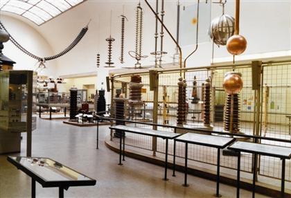 Höfer München deutsches museum münchen i by candida höfer on artnet