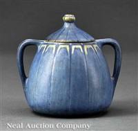 sugar bowl decorated by sadie irvine and aurelia arbo by newcomb college pottery