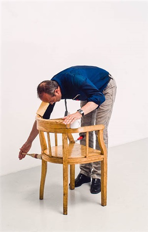 the historie of labour from one minute sculpture foto by erwin wurm