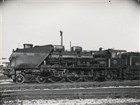 locomotive de profil (18 works) by henri vial