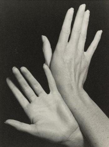 les mains de juliet by man ray