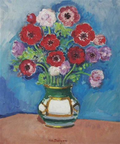bouquet de fleurs sur fond bleu by kees van dongen