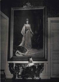 le chien de sa majesté queen mary à l'ambassade d'angleterre, c. 1935 by brassaï