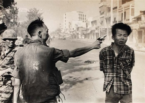 viet cong officer executed by eddie adams