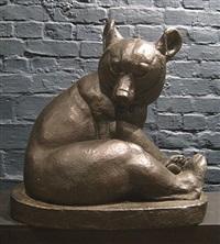 zittende beer by rochard