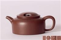 紫泥莲子壶 (a zisha teapot) by jiang jianxiang
