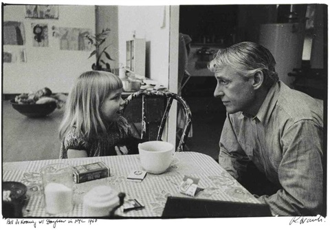bill de kooning with daughter in nyc by robert frank