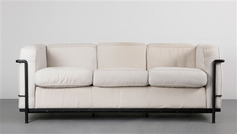 dreiersofa lc 2 by le corbusier charlotte perriand and pierre jeanneret