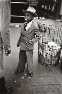 tired little boy after the circus by ruth orkin