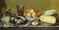 stilleben von weintrauben, äpfeln, käse und einem glas bier by hans van sant