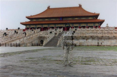 hiding in the city n°89 forbidden city série camouflage by liu bolin