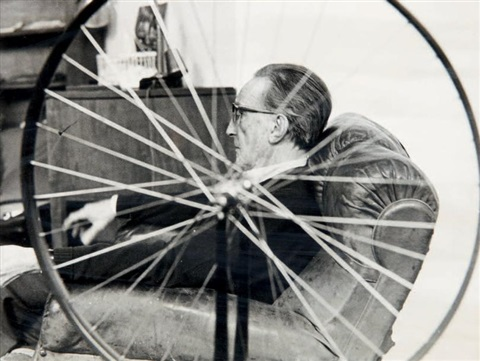 marcel duchamp et sa roue de bicyclette by marcel duchamp